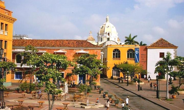 external image plaza-santateresa.jpg