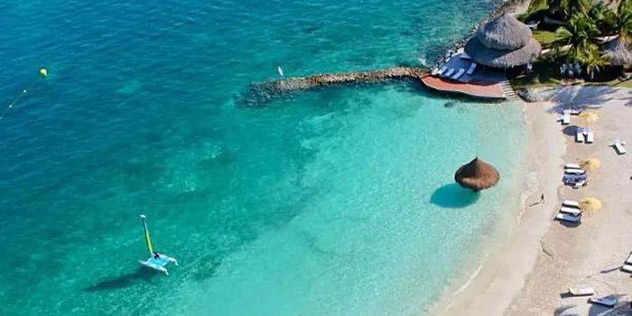 Playa de Punta Faro Islas de San Bernardo